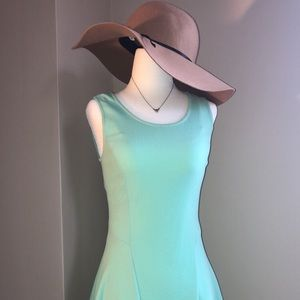 Suzy Shier mint dress